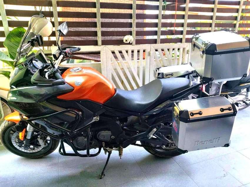 moto Benelli bn600gt