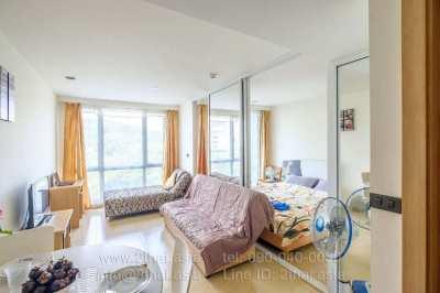 Spacious studio for sale in The Cliff Pattaya Condominium
