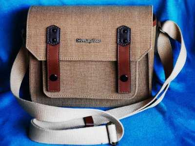 Herringbone bag. Color: Sand