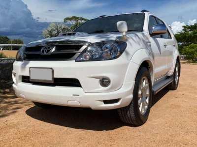 Toyota Fortuner TRD 3L Diesel full Option only 48xxx KM Year 2008
