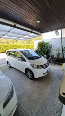Honda Freed Family Van for sell  - only 59,000 km - Top condition !