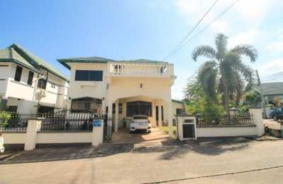 2 storey house for sale at Paradise Hill Village - East Pattaya