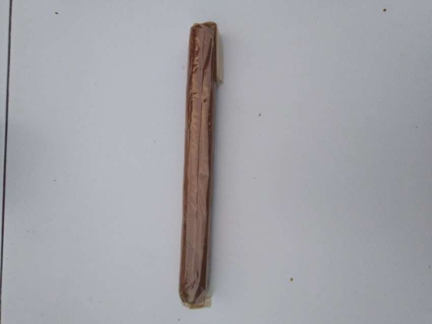 cuba cigars, size 1.9 cm  x  17 cm long, 200 bath a pcs