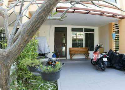 Large 3 Bed Townhouse with Pool, Central Cha Am - 5mins to Beach
