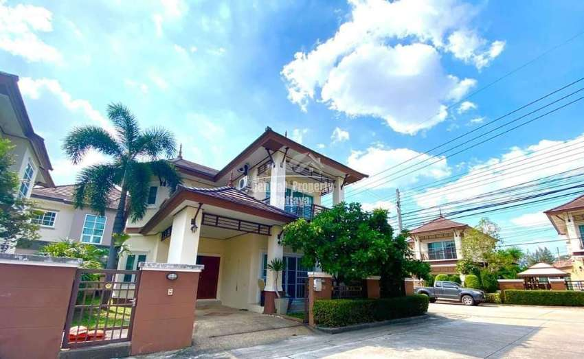 Reduced from 4.2 to 3.7 million Baht, 2 storey Thai Bali style house