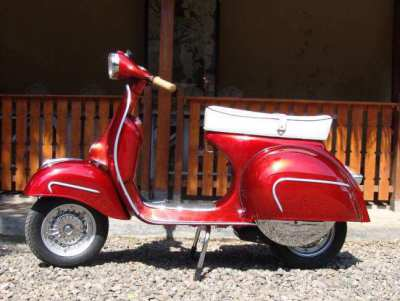 Original Fully restored Italian Vespa and lambretta scooters for sale
