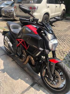 Ducati Diavel Carbon Red for Sale (Price Reduced to 540,000 baht)