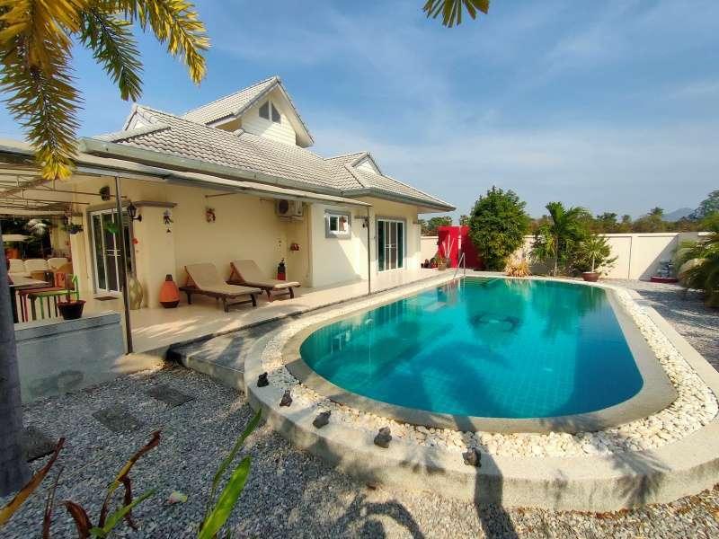 Hot! Bargain Priced 3 BR 2 Bath Pool Villa 24 Hour Secure Development