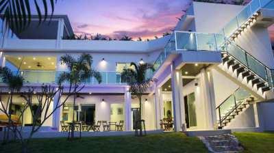 Modern, luxury 3 storey pool villa at phoenix gold golf country club