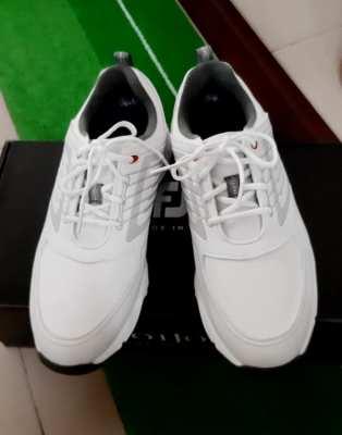 ขายรองเท้ากอล์ฟ ของใหม่ FootJoy ไซส์ 5US ขาย 1900 บาท