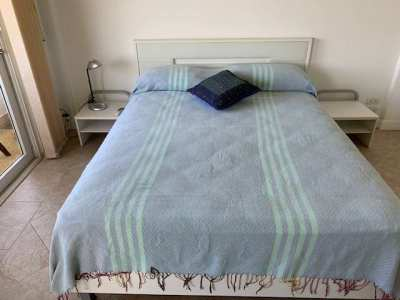Oueen size bed with 2 bed side table and mattress