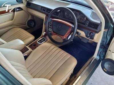 Mercedes w124 E200