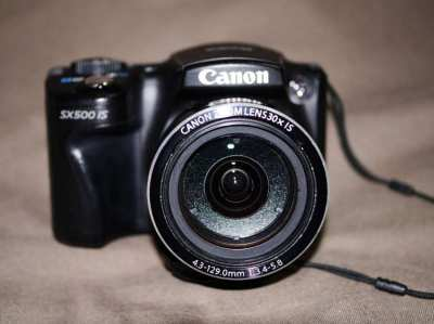 Canon PowerShot SX500 IS Camera (24-720mm Lens) 30X Zoom