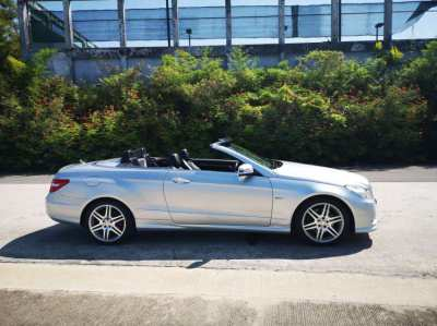 CONVERTIBLE   Mercedes Benz  E 250 only 62230 Km , in great condition