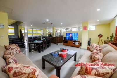 4 Bed House in Central Pattaya