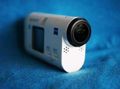 SONY AS200V Action Cam, GPS, Wi-Fi, NFC, SplashProof f/2.8 Carl Zeiss