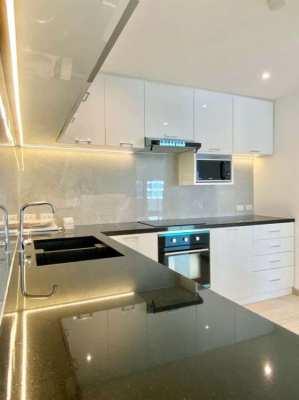 Condo for Rent -Silom Condominium ,2BR(144Sqm) at 60K คอนโดให้เช่าสีลม