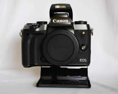 Canon M5 Black, Top Model of EOS M Series