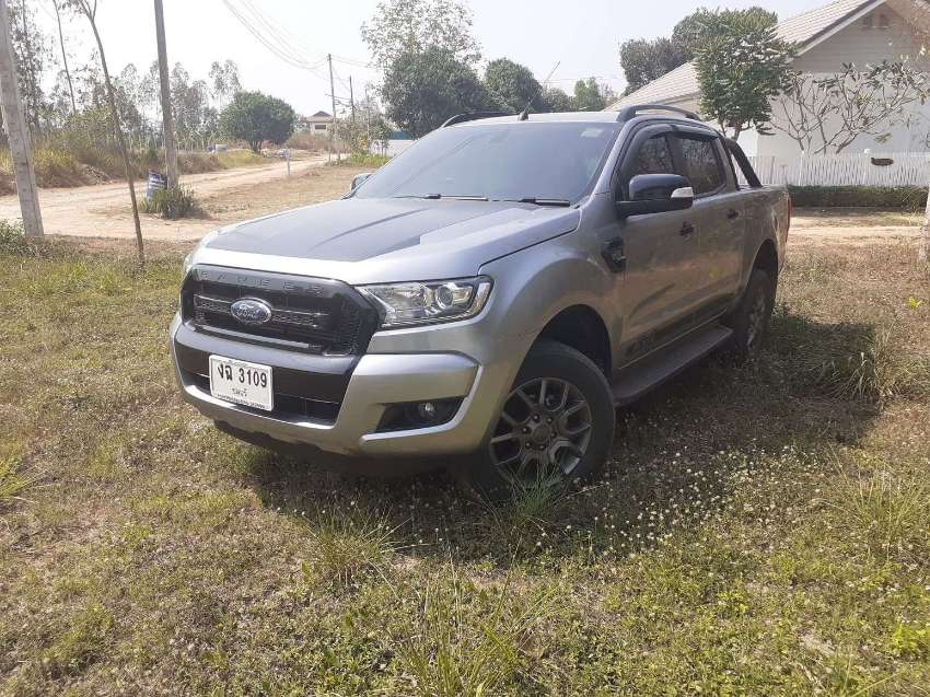 LOVELY all NEW Ranger Fx4 AUTOmatic 2017 very LOW 32,000 kms !!!
