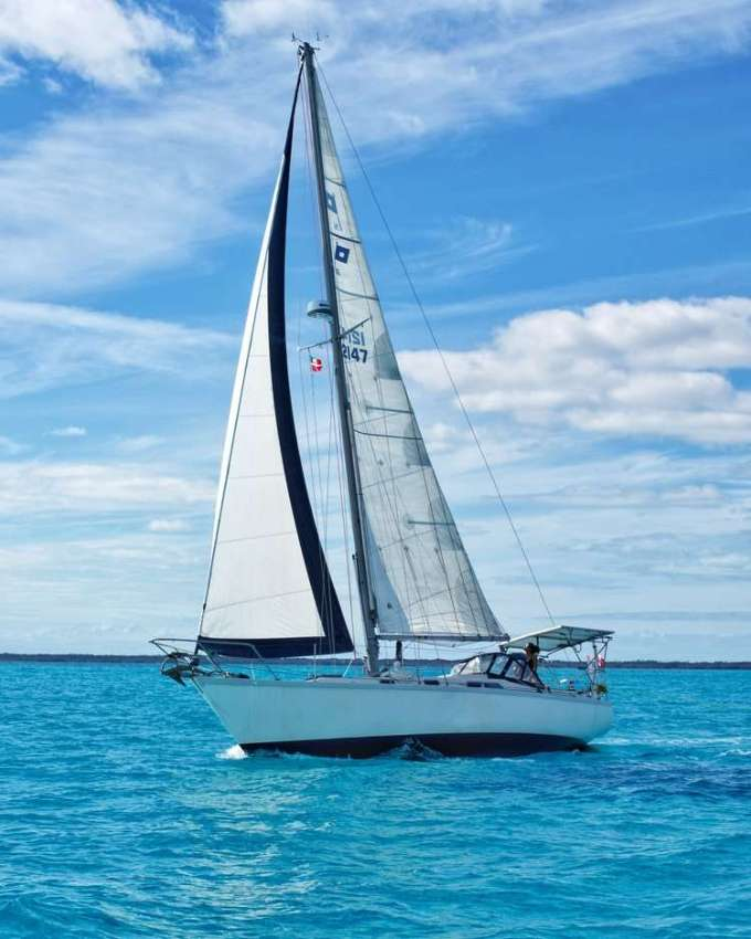 I am seaching for a sailboat....