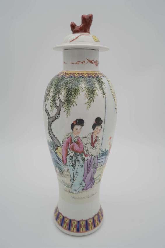 Antique Chinese porcelain cabinet set (3)