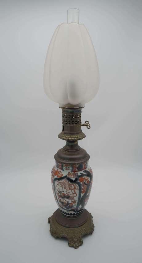 Antique Japanese Imari oil lamp