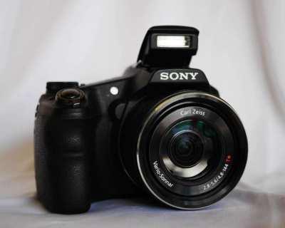 Sony HX200V Camera with Carl Zeiss® Vario-Sonnar f2.8 lens, GPS