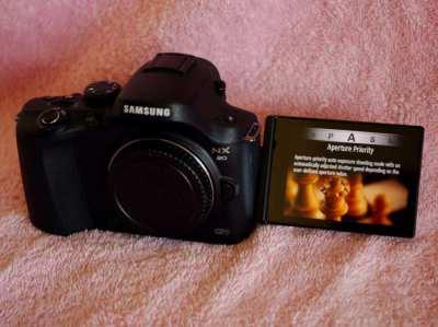 Samsung NX20 Wi-Fi Black Body Mirrorless camera in Box, NX Series