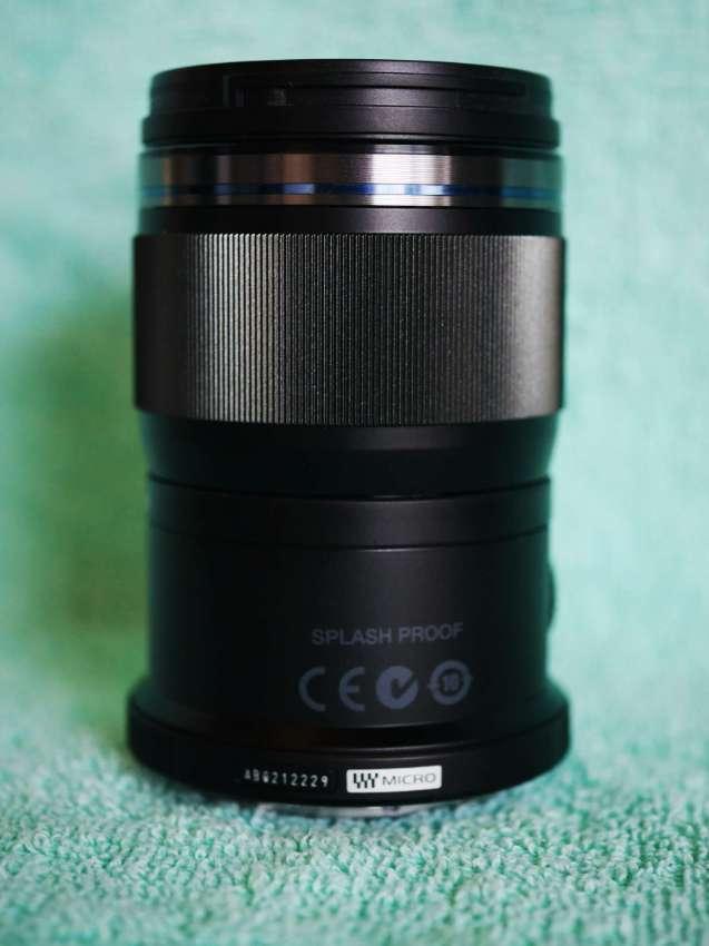 Olympus M.Zuiko Premium ED MSC 60mm F2.8 Macro lens