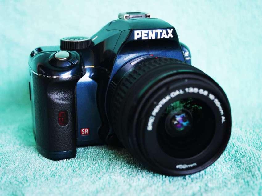 Pentax K K-x DSLR Camera Navy Blue Kit with DA L 18-55mm Lens, Kx