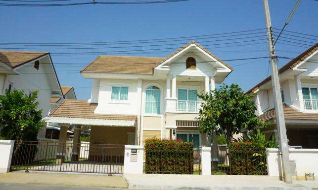 House for sale 3.5 km. Promenada shopping mall