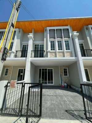 Golden Town House 4BR 150 sqm in South Pattaya Sukhumvit for Rent