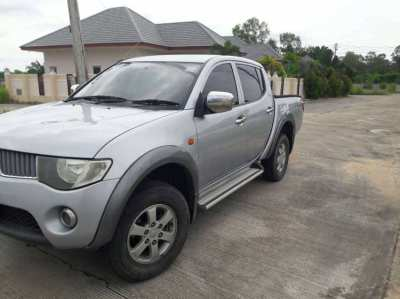 mitsubishi triton plus for sale year 2009