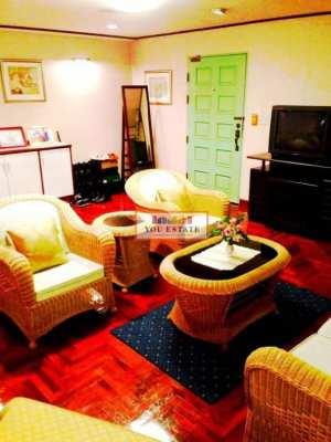 Benjasri Condominium area 316 sq.m with garden area 4 bed 3 bath