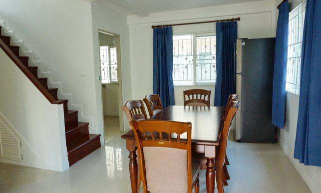 House for rent near Promenada shopping mall,