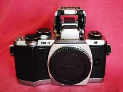 OLYMPUS OM-D E-M10 Black Silver Body, OMD EM-10 EM10 M10