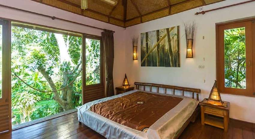 BALI STYLE RESIDENCE WITH THE HUGE FRUIT GARDEN FOR SALE IN LAMAI.