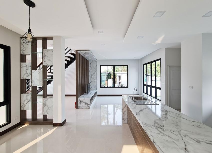 บ้านสร้างใหม่ สไตล์โมเดิร์น ตั้งใกล้แยกกองทราย ถนนต้นยาง ต.หนองผึ้ง