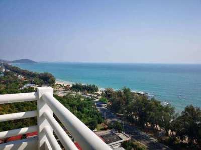 2 bedroom beach beach condo on the 18th floor on Mae Ramphueng beach!