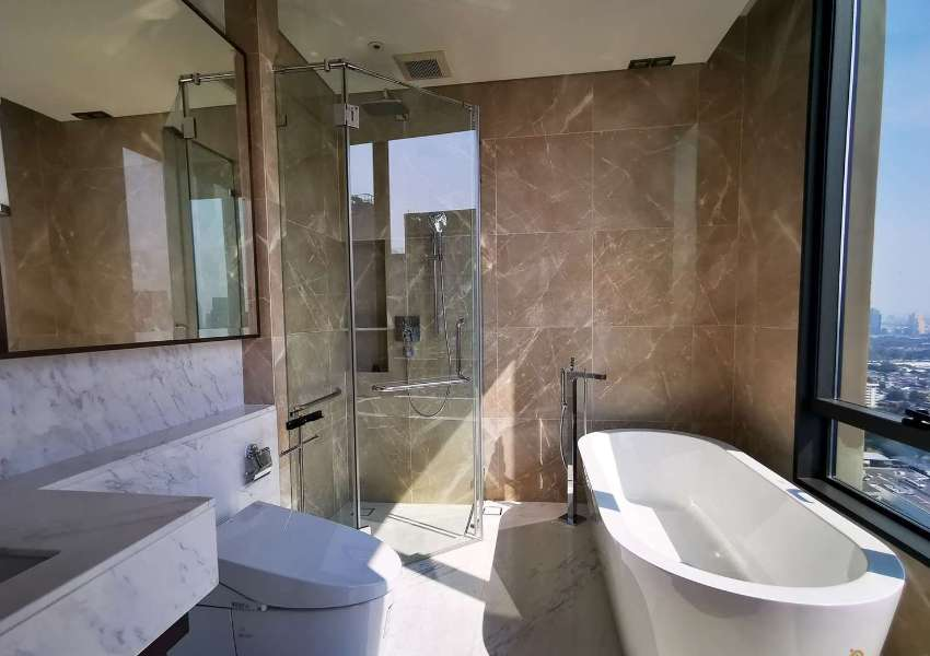 Brand new luxurious for rent at Sindhorn Residences