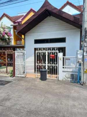Oh ! Wow  !!!!  Good Townhouse at Pattaya Klang , Arunothai