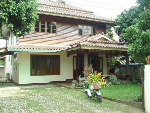 House for rent near SamYak market on DoiSaKet Rd.