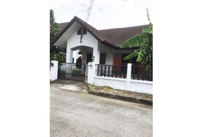 House for rent near Grace international school, on Hang Dong Rd.,