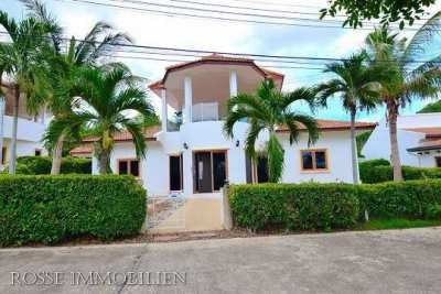 House for sale 2 bedroom 2 bathroom with swimming pool,near the beach