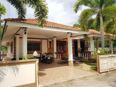 3 bedroom house close to Narai rd. and Mae Ramphueng beach in Rayong