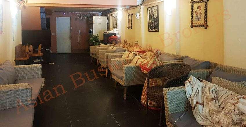 0149124 Empty Shop-House near Bumrungrad Hospital for Rent