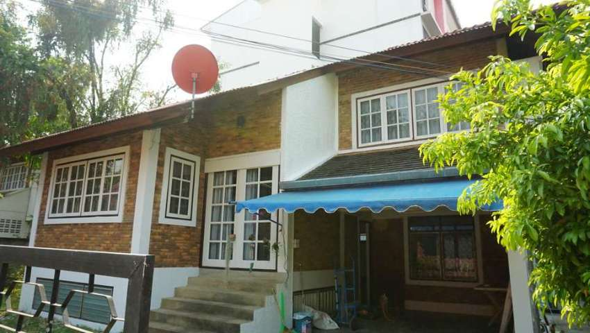 House for rent in Chiang Mai city, Chang Phuek area.
