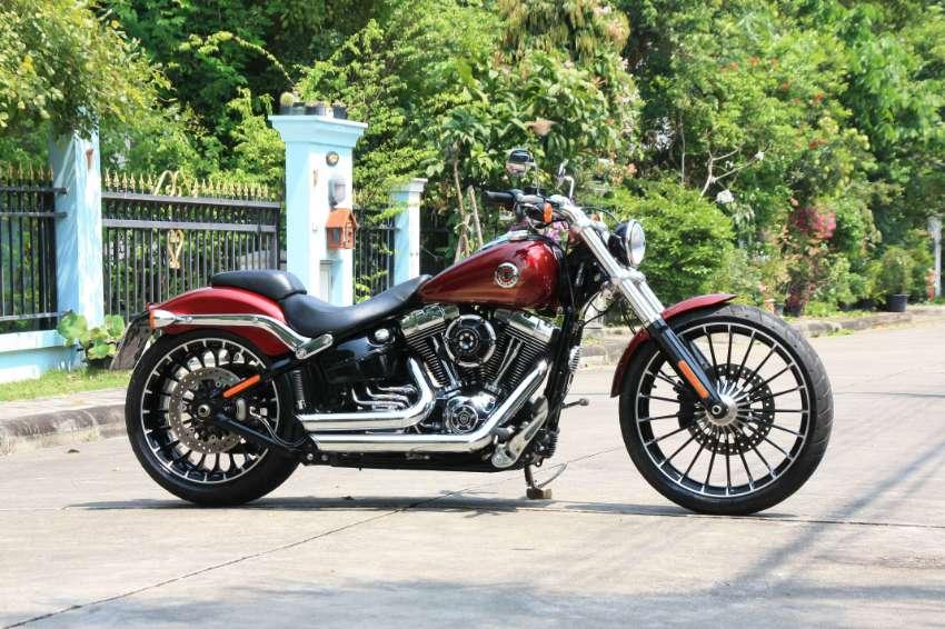 Harley Davidson Breakout 2017 excellent condition