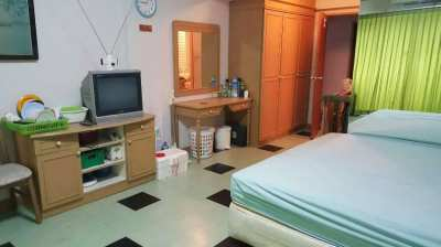 BEACH CONDO IN VICTORY VIEW CONDO ON MAE RAMPHUENG BEACH. ONLY 80 METE