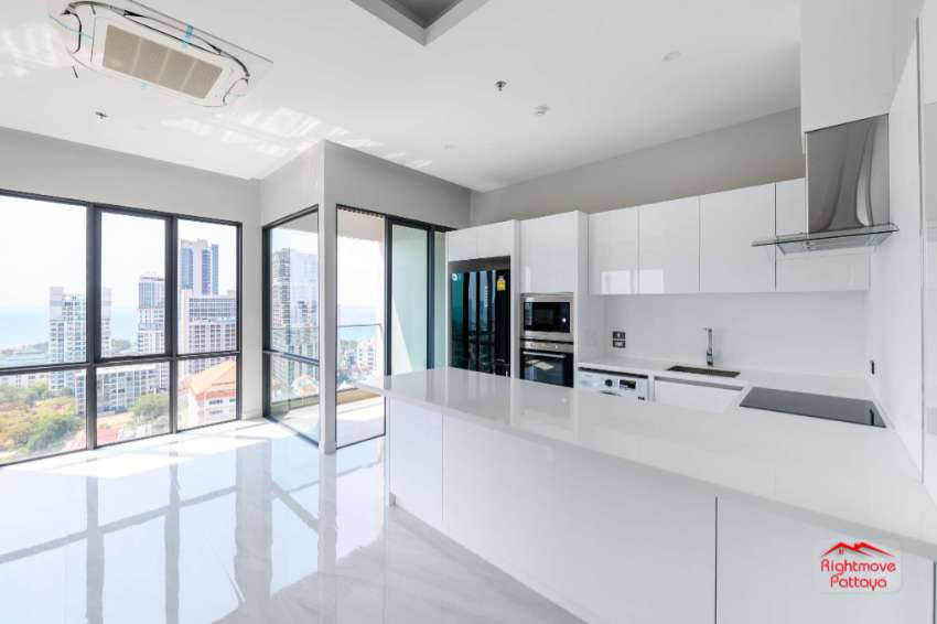 100 sqm Sub Penthouse - Brand New - Lots of WOW FACTOR